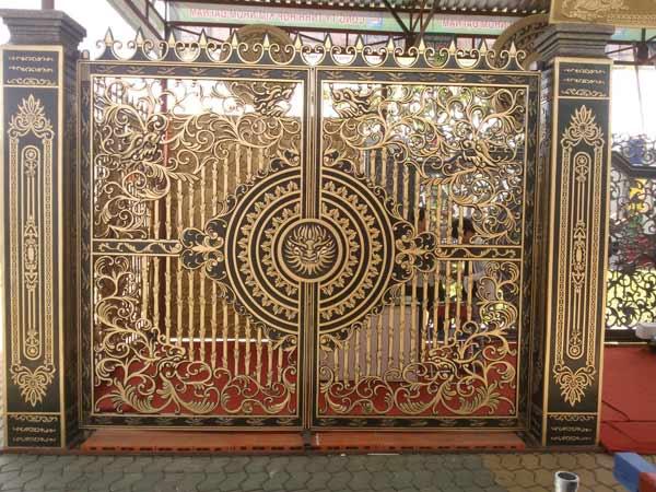 Cổng hợp kim nhôm đúc – sự lựa chọn hoàn mỹ và vĩnh cửu cho kiến trúc của bạn